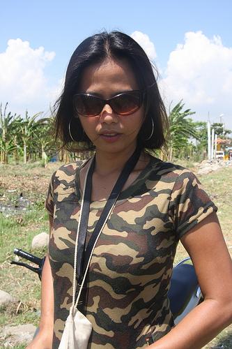 camouflage girl photo