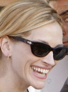 Julia Roberts sunglasses