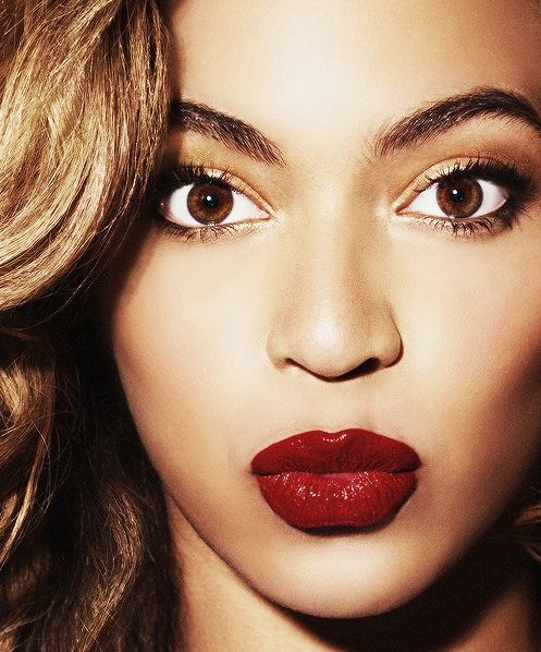 beyonce dark red lipstick