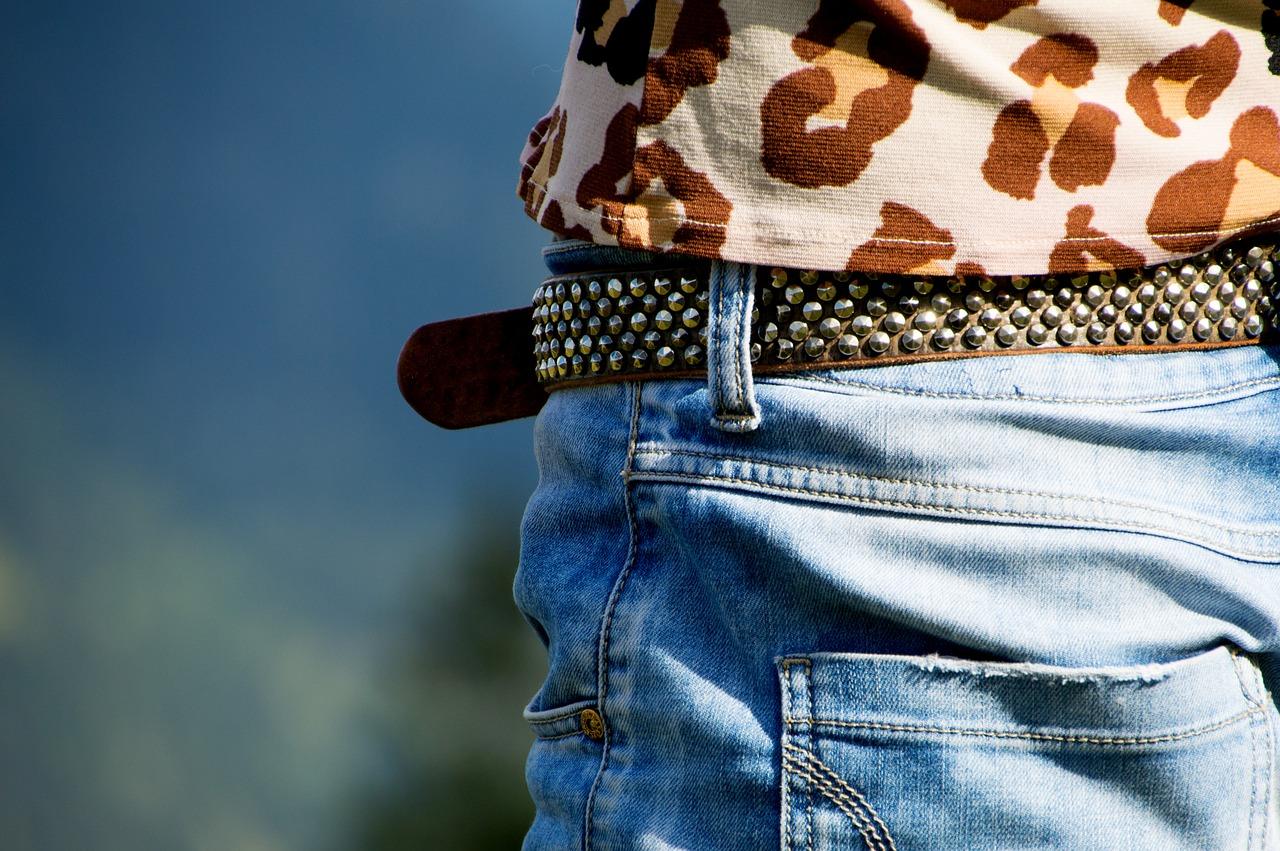 woman belt photo