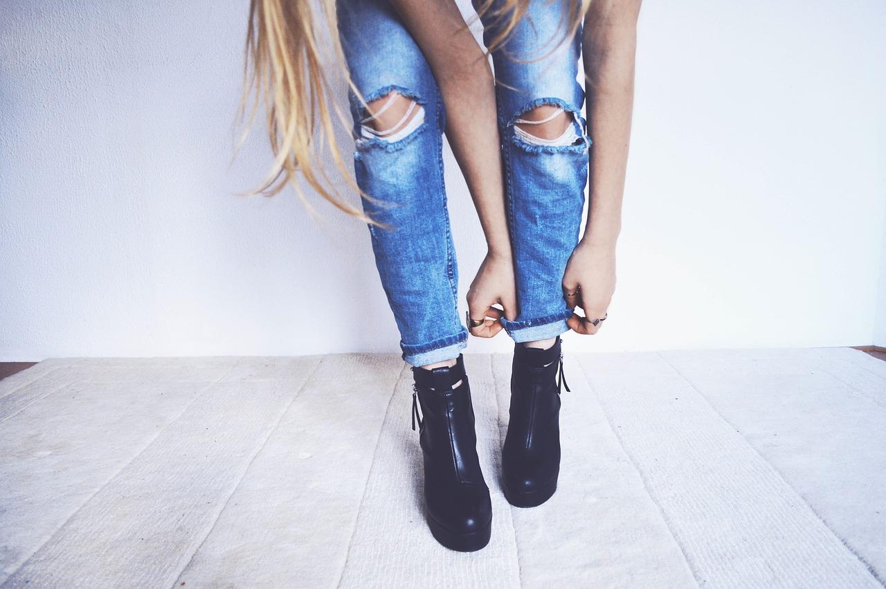 jeans woman photo