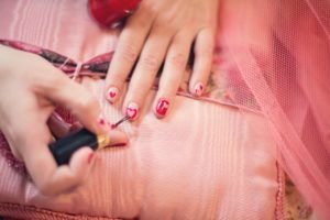salon nail painting